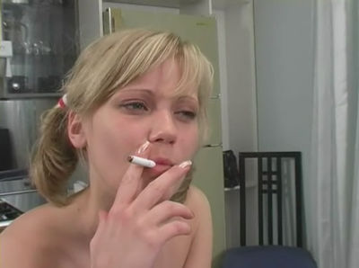 Smoking babe makes blowjob in a hot video