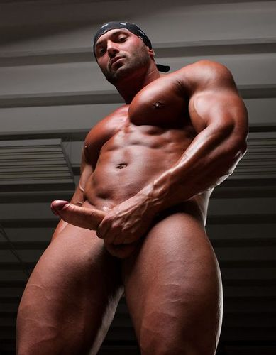 Find a local gay hookup and have fun in Baltimore, MD