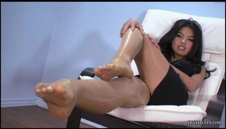 Cindy wearing nude pantyhose pics