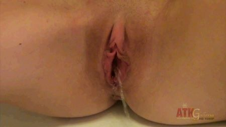 girl pee and filming video clip. free pee girl video