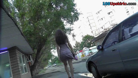 Spying - UPskirt video
