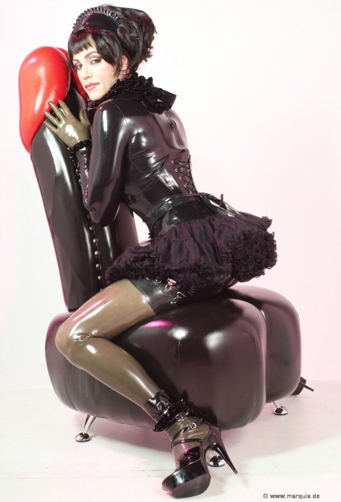 Gilrs In Latex Spandex Leather Rubber Boots - Rear Photosets - Full Collections XVideos 1