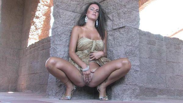 Sexy Riesentitten Outdoor Pov