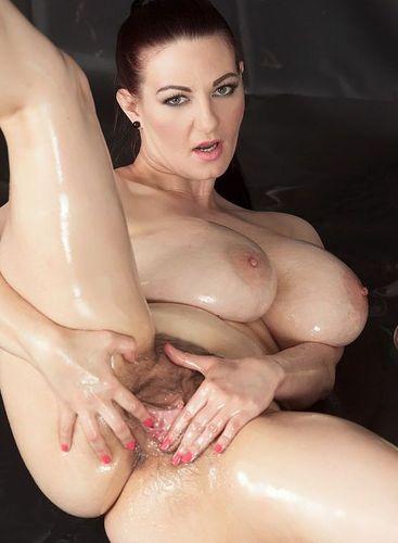 Vanessa Y. – Big Boob Oil Spill – ScoreLand – 07/24/16 – FullHD 1080p