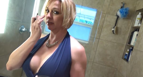 Yasmine bleeth nude images
