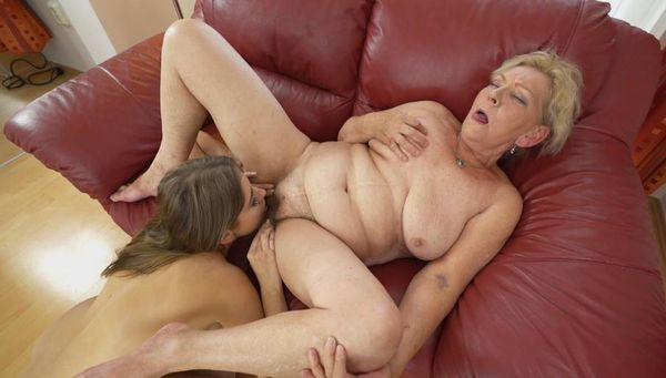 Abbey brooks lesbian orgy strapon